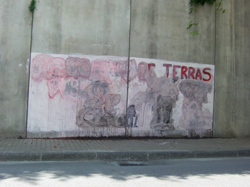 Mural BE Vila Real destruido.JPG